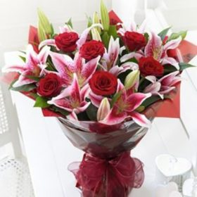 Delivery of Romanticism of Lilies & Roses in Pakistan - FromYouFlowers.pk