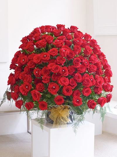 Valentin's Day Roses in Pakistan - FromYouFlowers.pk