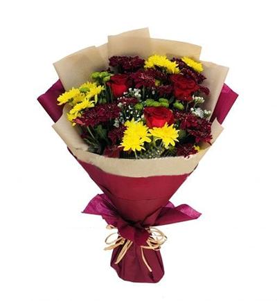 rose Bouquet Valentine - FromYouFlowrs.pk
