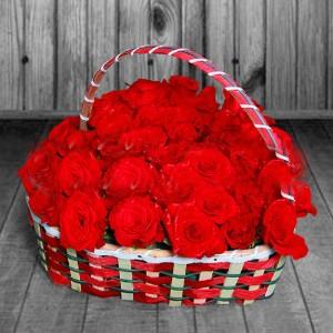 red-roses-in-heart-shape-basket.jpg